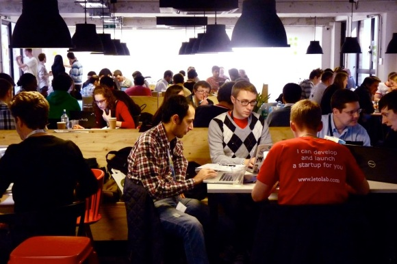Corporate coworking: How can large companies benefit from the new way of work?